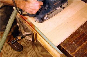 Setting up a belt sander