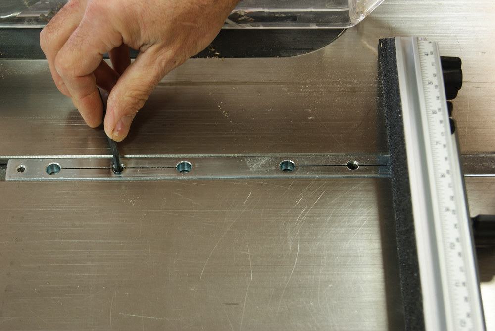 Osborne Miter Gauge Review - Custom Fitting the Bar