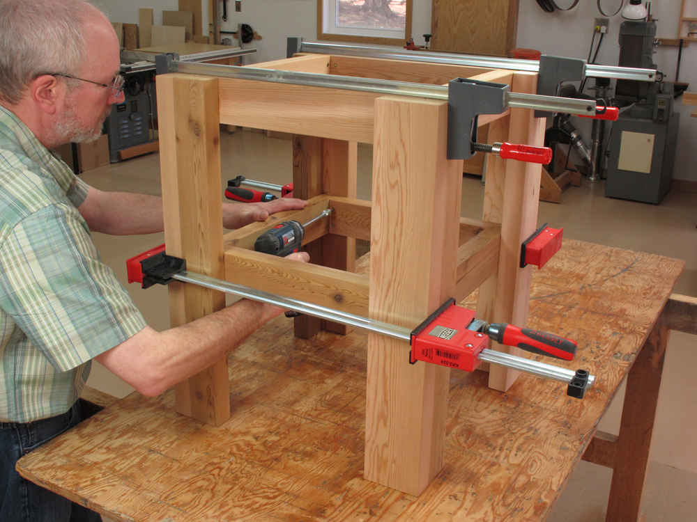 Drill press table woodworking plans